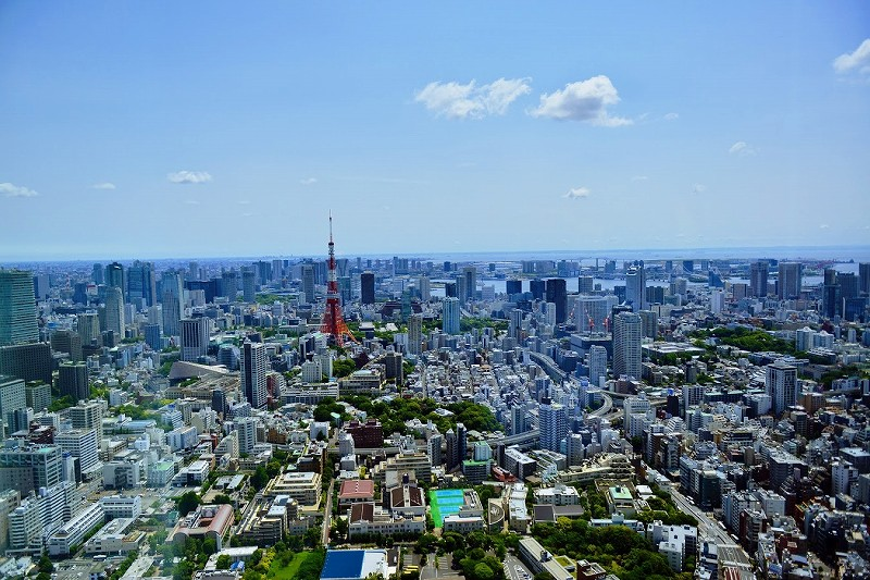 ビルが立ち並ぶ東京の街並み_image
