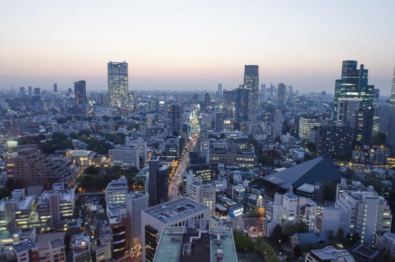 ビルが立ち並ぶ東京エリア