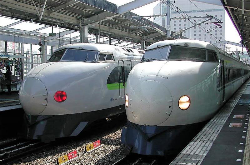 東海道新幹線 東京-大阪間開通